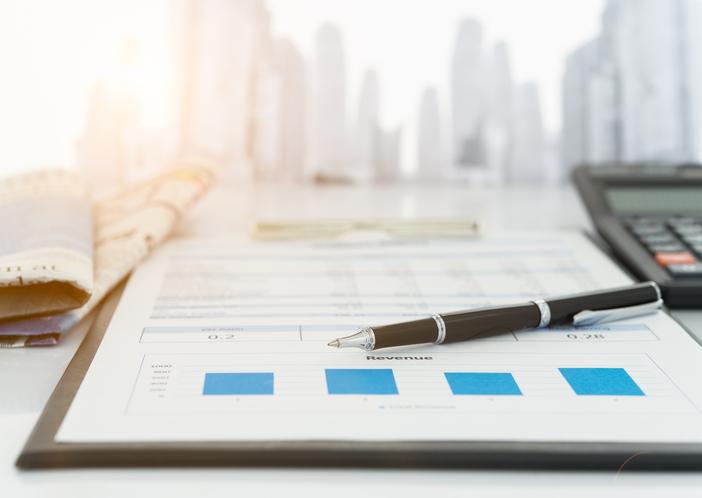 pen on earnings report